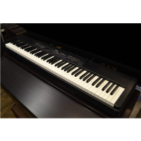 <p>Great sound and authentic graded hammer action, combined with a slimline, portable design and sturdy build quality. A great choice for gigging musicians, or for those requiring a real piano feel in a very small footprint.</p><p>Good condition, with Yamaha gig bag.</p>