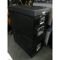 <p>Double-ended 6U flight case.</p><p>Condition: A few scrapes here and there, and half of one side of the interior padding missing (as seen in pics).  Structurally sound, and all latches in good working order.</p>