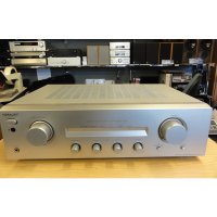 Lovely hi-fi amp with five line-level inputs and a phono stage.<br />Bass, Treble, Balance, Speakers On/Off and Source Direct controls.<br /><br />