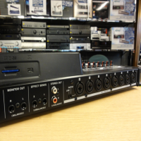"<p>32 tracks to solid-state media. Up to eight tracks can be recorded at a time through its combination XLR and 1⁄4"" combo jacks. <br />Input processing like compression and limiting are available during recording, as well as guitar amp simulation and multi-effects for use with the instrument-level input. <br />A colour LCD and channel strip knobs make mixing fast and creative. <br />Up to 32GB SDHC media or swapped with other cards between projects. <br />Great sound, powerful features and easy operation.</p><p>Excellent condition.</p>"