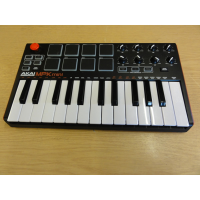 <p>Powerful but dinky USB controller keyboard with 25 mini-keys, 8 pads and 8 rotary controllers.</p><p>Offers hardware control of software mixing and beat creation. </p><p></p><p></p>