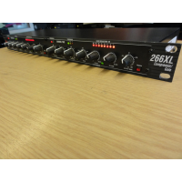 Classic two channel/stereo compressor/expander/gate.<br />Great for smoothing uneven levels, add sustain to guitars, fatten drums or tighten up mixes<br />Gate timing algorithms ensure the smoothest release characteristics<br />Program-adaptive expander/gates<br /><br />