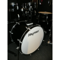 Excellent 5-piece beginner drum kit including cymbals, stands, stool, kick pedal, and sticks.