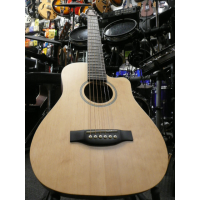 <p>Very nice compact steel-string guitar with cutaway and padded gig bag.</p>