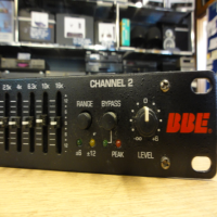 Dual channel 15-band equaliser.<br />25Hz - 16kHz<br />Switching between +/- 6db and +/- 12db operation.<br />