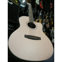 <p>Pink solid-top acoustic with padded bag.</p><p>This is a B-Stock item that has a bit of damage on the side on the table (as seen in the pics)</p><p>RRP:&pound;399</p>