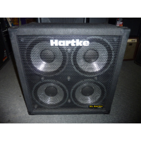 Beautiful 4x10 bass cab with lovely rugged carpet covering.  Mint condition.  400 watts @ 8 ohms.